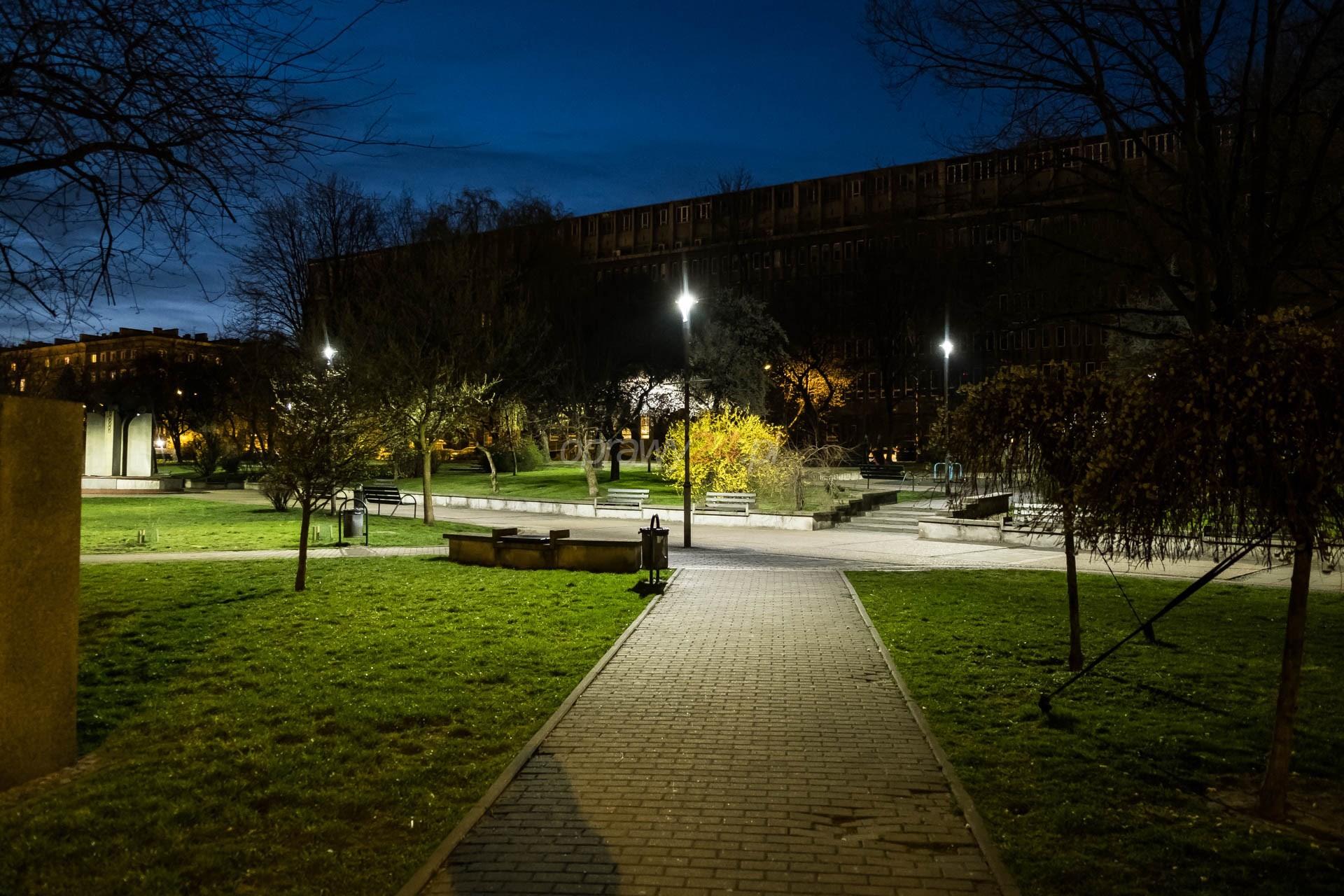 Plac Grunwaldzki w białym świetle