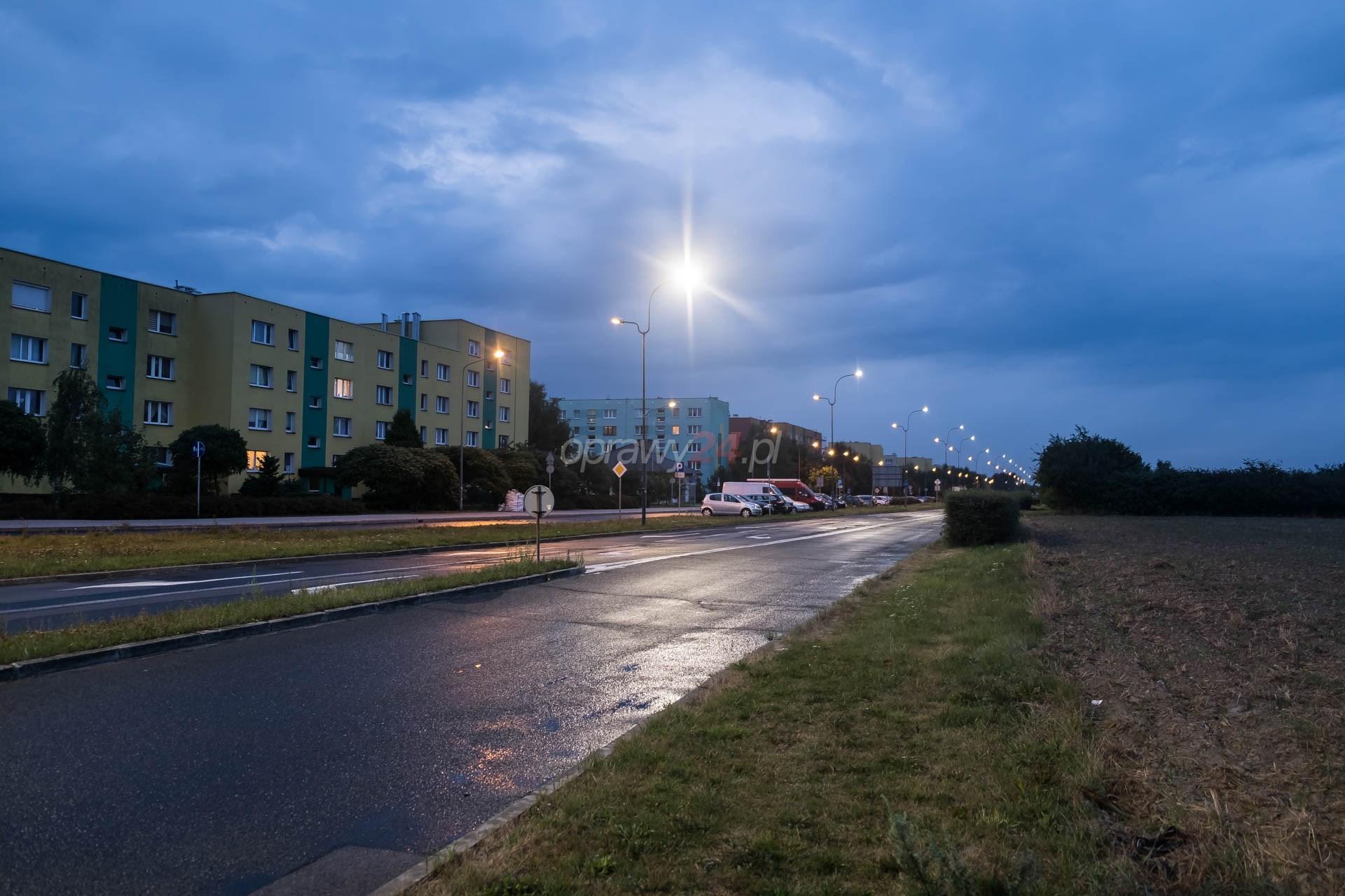 Ulica 26 stycznia z nowym oświetleniem