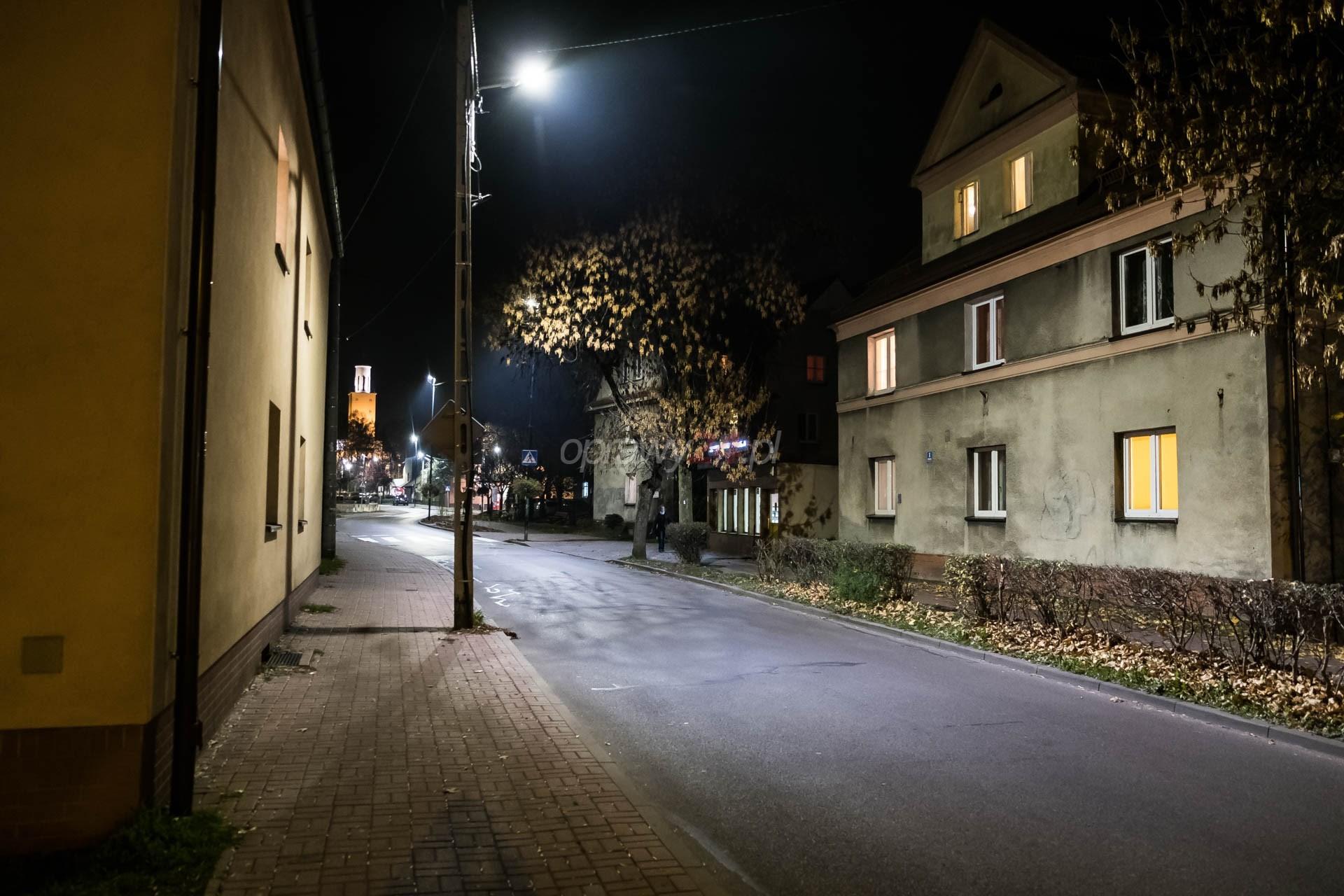 Białe światło w dzielnicy Murcki