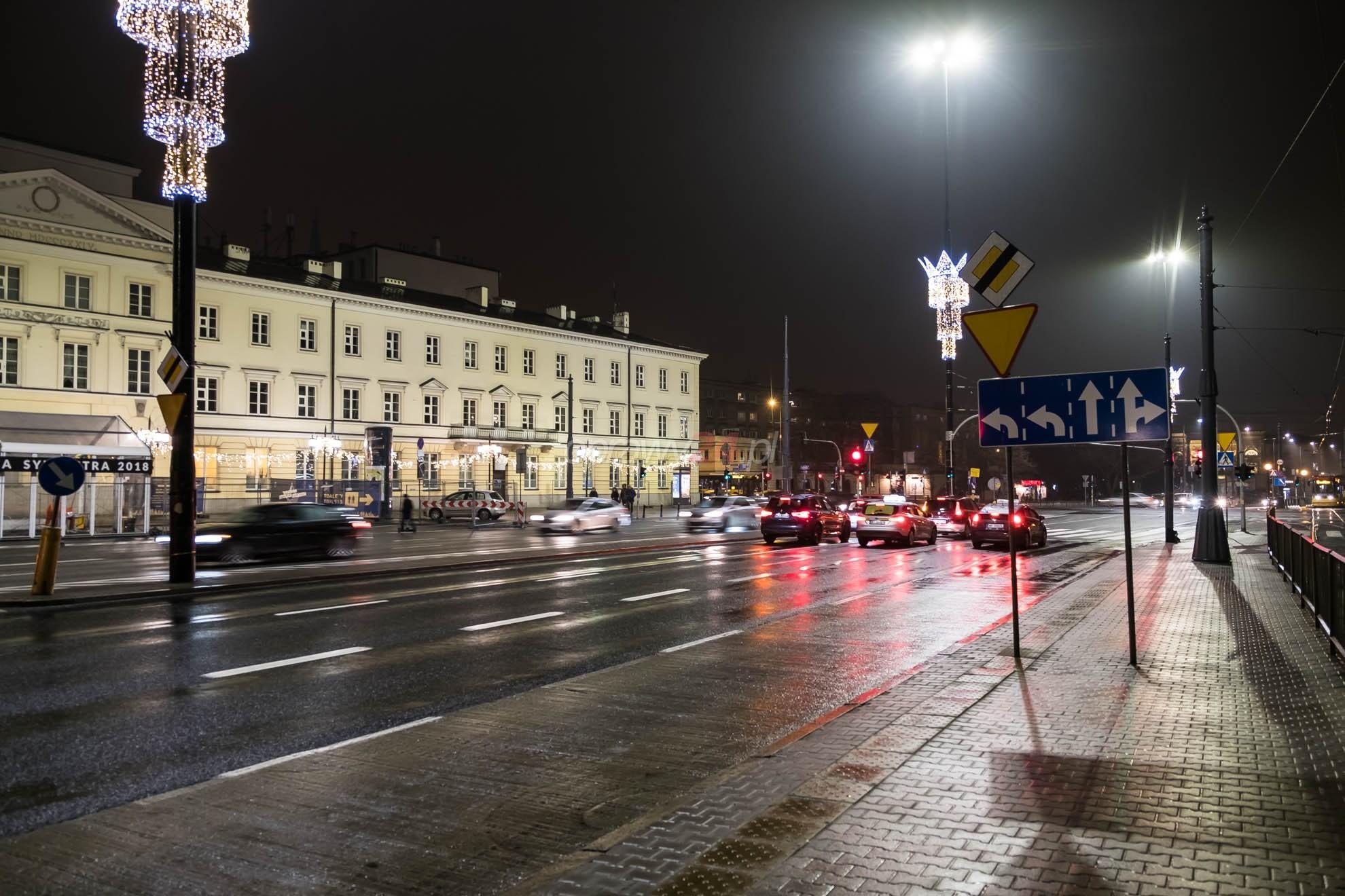 Plac Bankowy w świetle LED