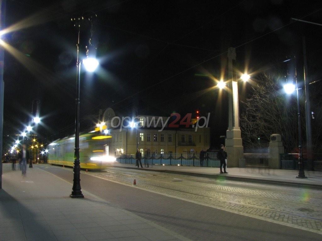 Most Teatralny z nowym oświetleniem LED