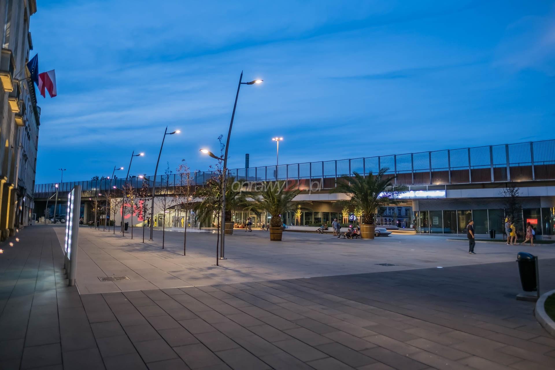 Nowy rynek w Chorzowie w blasku LED